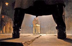 Сцена из спектакля. Фамилии студентов АлтГАКИ из педагогических соображений пока не называем;  Анна ЗАЙКОВА