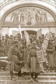После революции церкви подверглись тотальному разорению