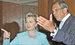 Министр иностранных дел Сергей Лавров и госсекретарь США Хиллари Клинтон решают, каким быть миру;   РИА «Новости»