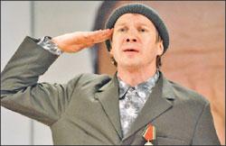 Евгений Миронов в «Рассказах Шукшина»: лучший актёр в лучшем драматическом спектакле минувшего сезона