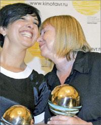 Фильм «Перемирие» режиссёра Светланы Проскуриной (справа) получил два приза;  ИТАР-ТАСС