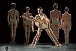 Анна Хамзина и Александр Селезнёв в балете «Маленькая смерть»;  Светлана ПОСТОЕНКО